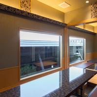 自然豊かな風景を楽しめる寛ぎの個室を多数完備…
