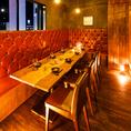 【22~48名様に対応可能】親しい仲間同士でのご宴会や女子会・オフ会など様々な用途に。会社の新年会などの宴会にもピッタリな個室となっております。