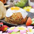 """料理メニュー写真インドネシアのチャーハン""""ナシゴレン""""/鶏肉のバジル炒めご飯/ガパオご飯"""