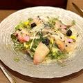 料理メニュー写真季節魚のカルパッチョ キャビアをちらして