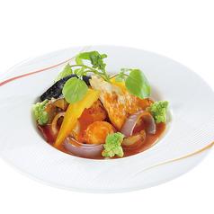 白身魚と帆立貝のグリエ オマール海老のビスクソース