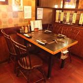 落ち着いたテーブル席は2~4名様まで♪