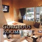 カーテンで仕切られたプライベートルーム、デートや合コン使いに大人気!