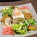 料理メニュー写真なめらかおぼろ豆富の肉味噌サラダ