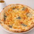料理メニュー写真ゴルゴンゾーラとはちみつのとろけるピッツァ