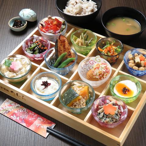 築80年以上の京町屋を改装した、おばんざいが美味しくモーニング・ランチにおすすめ。