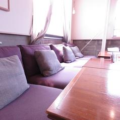 広々としたフカフカなソファ席です♪