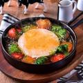料理メニュー写真カマンベールチーズとトマトのアヒージョ
