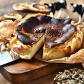 料理メニュー写真バスク風チーズケーキ