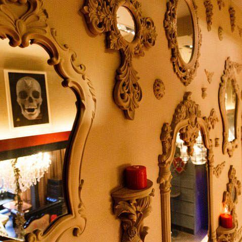 モダンクラシカル&ヨーロピアンテイストな内装は一見の価値ありです!ヨーロッパ調のクラシカルな内装でお客様を非日常の空間へとお楽しみ頂いています。各種シーンでのパーティーでご利用ください。