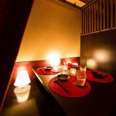 大人の合コン利用も多いお席。女子会にもおすすめです。落ち着きのある個室空間で、美味しいお料理やお酒を楽しみながら、心安らぐ一時をお過ごしください。