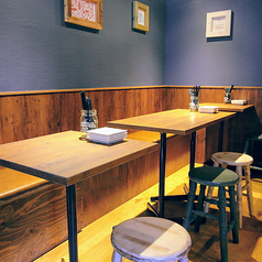 貝と白ワインのバル KAKIMARU 京都七条店の雰囲気1