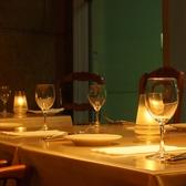 キャンドルを灯した雰囲気◎のテーブル席