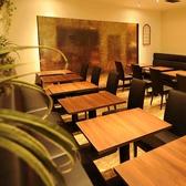 最大6名様までOK!レイアウト変更可能なテーブル席で、買いもの帰りにお友達を楽しい時間をお過ごし頂けます!