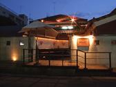 外観。池町川沿いのお店です。