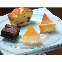 料理メニュー写真ベイクドチーズケーキ