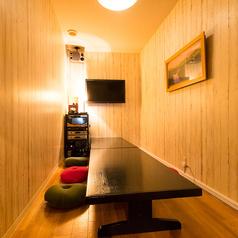 合コン、宴会など様々ご利用いただける宴会用個室スペース!カラオケも付いており、料理とカラオケ2ついっぺんに楽しめるお得な部屋です!チャージ料も発生しないので、お気軽にご要望ください♪