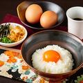 料理メニュー写真地卵「つまんでご卵使用」 究極のTKG