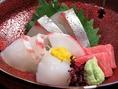 『お刺身4種盛り 1280円(税抜)』 お魚は天然にこだわり仕入れています。
