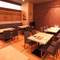 最大40名様までご利用可能のテーブル席!テレビモニターを使って各種会社宴会から韓流ファンのオフ会まで幅広くご利用になれます!大人気のチーズタッカルビや、サムギョプサルもございます!
