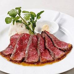 料理メニュー写真アンガス牛のローストビーフ