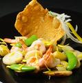料理メニュー写真天然車海老と松茸と栗の菊花炒め