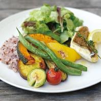 ランチ・ディナーも四季を感じる季節野菜を♪