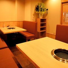 10名様用のテーブル席としても使えるお席。