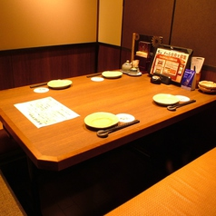 掘りごたつ個室は足を楽にお食事を楽しめると人気です♪旬の食材を使用したお料理と豊富なドリンクメニューで、多くの女子会や飲み会でご利用頂いております!こだわりの創作料理を皆さまでお楽しみください。