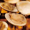 三重県桑名の魚介類問屋さん全面協力のもと三重県桑名直送のはまぐりを提供する、はまぐり専門店。全般的に脂質が少ない貝類の中でも、ハマグリは特に脂質が少なく低カロリーなものの一つ。また、ハマグリ屋ならではのハマグリ出汁を使用したハマグリしゃぶしゃぶをご用意、そのまま締めにラーメンをお楽しみください。