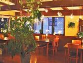 テーブルは自由自在にコーディネイトできるので、お客様のお人数様に合わせてご用意いたします。