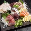料理メニュー写真よくばり鮮魚盛り