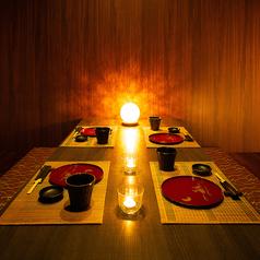 3~4名様にぴったりな落ち着いた空間で、お食事をお楽しみください。少人数からの宴会コースも承ります。