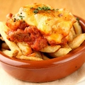 料理メニュー写真ラム肉のチリ&チーズ フレンチフライ