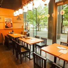 テーブルのお席は、レイアウト自由です!人数様・お席などのご相談も承りますので、店舗までお問い合わせください♪