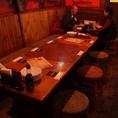 こちらの席はテーブルをつなげて最大18名様宴会可能!
