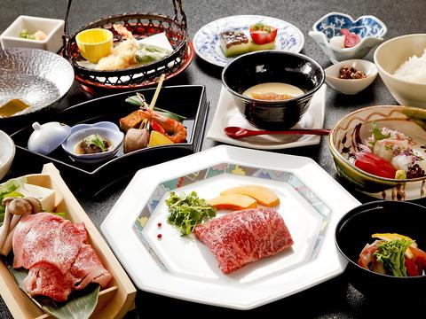 """老舗旅館「ほてるISAGO神戸」の中にある料亭""""胡蝶""""で四季の味をご堪能下さい。"""