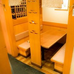 背もたれが高いBOX席は通常のテーブル席でありながらゆったりとお食事をお楽しみいただけます。友人との食事にもおすすめです。