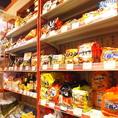 【韓国商品販売】オリジナル商品をはじめ韓国食材を物販コーナーでお買い求めいただけます。チヂミの粉やキムチ鍋、カムジャンタンなど本場の韓国の味をご家庭で簡単にお召し上がりいただけます!