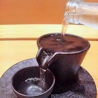 各地の日本酒集めました。栄で寿司と日本酒を楽しめます