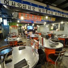韓豚屋 浜松町店の雰囲気1
