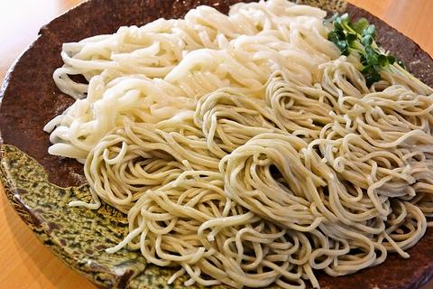 北海道産最高級石臼挽き蕎麦粉100%使用。すべて、店主のこだわりが光るお店。