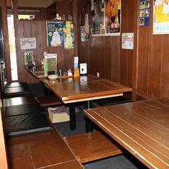 カウンターホール後ろの掘りごたつ席です。4人掛け3卓で、ゆったりと座れます(^^)
