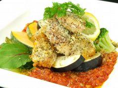 料理メニュー写真地鶏の香草パン粉焼