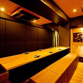 【玉鬘/早蕨/夕霧】テーブル個室。木のぬくもりが良し。