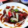 料理メニュー写真もち豚の黒酢酢豚