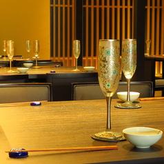 記念日、誕生日、接待など幅広いシーンに使い勝手抜群のテーブル席。