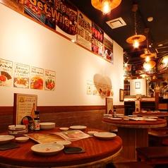 【テーブル席:4~12名様】様々なシーンでご利用ください!少人数やちょっとしたご宴会にも最適なお席と空間です♪高田駅にお越しの際は是非ご来店ください。120分飲み放題付きコースをご用意しておりますので、人数や予算に合わせてご予約ください!お席をご利用の際にはお早めのご予約をオススメいたします。
