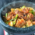 料理メニュー写真石鍋チュクミ サムギョプサル定食