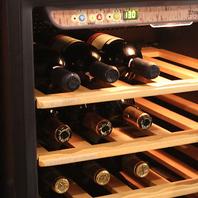 種類豊富なボトルワインをご用意
